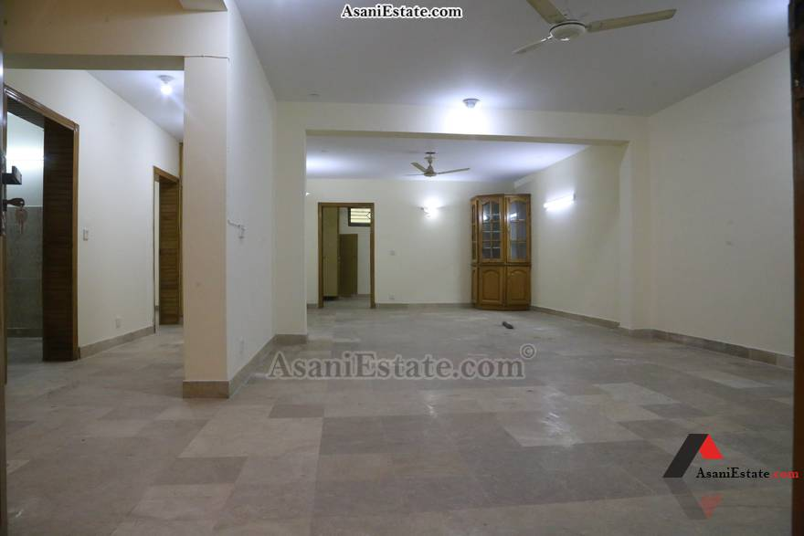 Basement Livng/Drwing Rm 35x70 feet 11 Marlas portion for rent Islamabad sector E 11