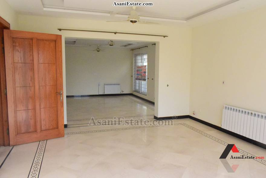 Ground Floor Livng/Drwing Rm 50x90 feet 1 Kanal portion for rent Islamabad sector E 11