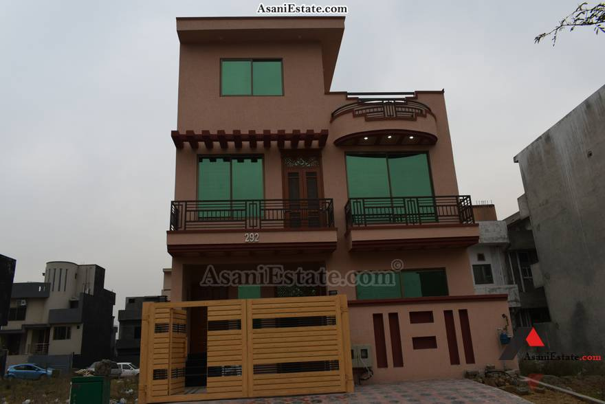Outside View 25x40 feet 4.4 Marla house for rent Islamabad sector D 12