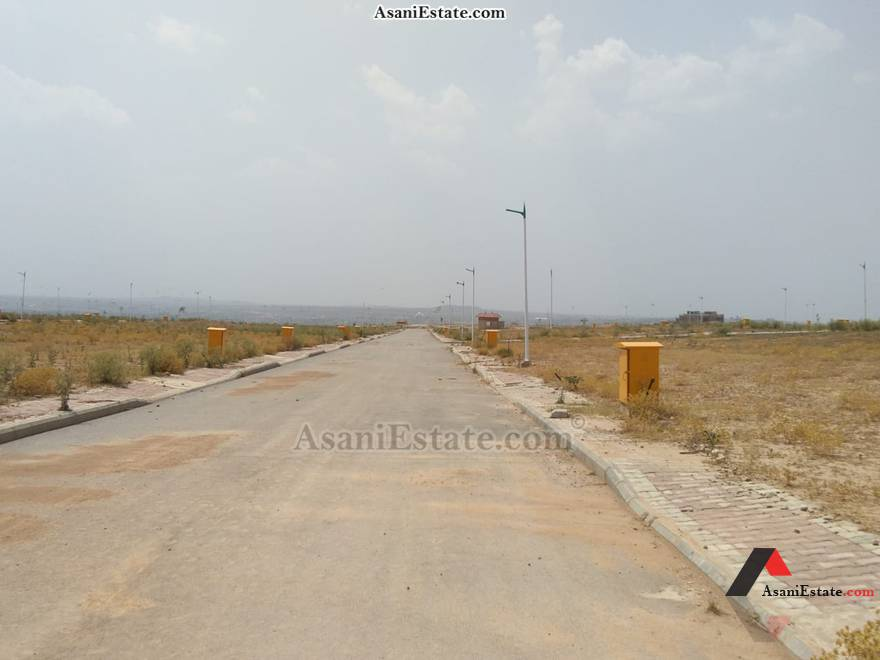 Street View 25x45 feet 5 Marla residential plot for sale Islamabad Rose Garden Block M Phase 8 Bahria Town